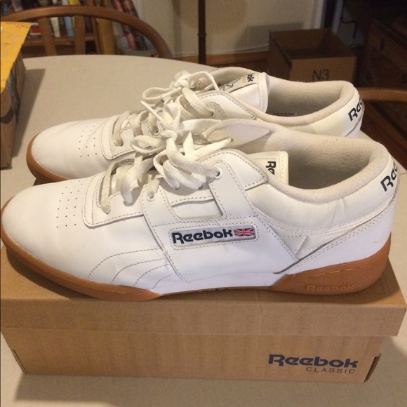 99867e58322 REEBOK Workout Low White Men s 11 gum sole. M 5a528ee7caab44bb97025309
